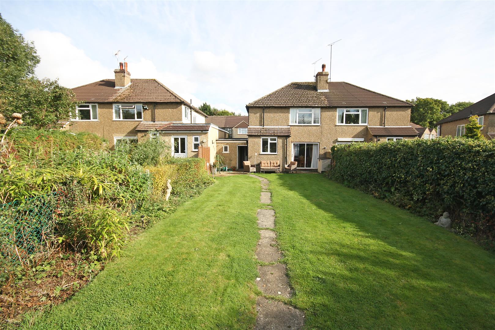 3 Bedrooms Property for sale in Willow Road, Redhill
